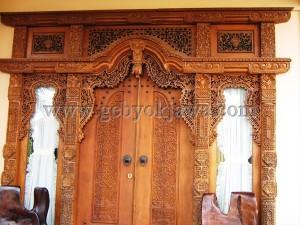 Pintu Gebyok Jawa Antik Jendela Kaca GP 249